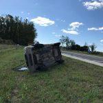 Una camioneta volcó en ruta 20 a la altura del acceso a Aldea San Antonio