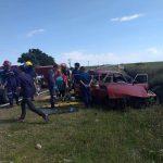 Un auto despistó y volcó en el acceso a Aldea San Antonio