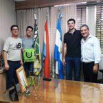 Santiago Castro y Jeronimo Leal Lobos fueron recibidos por el intendente en el Municipio