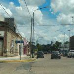Calor e indignación: Largas colas para pagar servicios en Urdinarrain