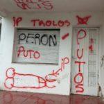 Realizaron pintadas vandálicas en la sede de la Intransigencia Popular de Urdinarrain