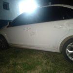La policía identificó y secuestró el auto que chocó con la moto en la madrugada del domingo